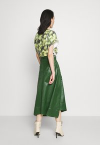 3.1 Phillip Lim - SKIRT WITH SIDE SNAP - Jupe trapèze - vetiver green - 2