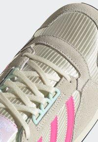 adidas Originals - Baskets basses - cream white/solar pink/clear pink - 7