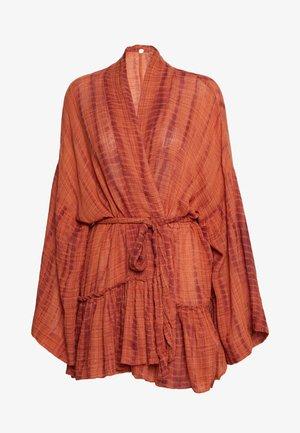 SASHA TIE DYE KIMONO - Summer jacket - copper