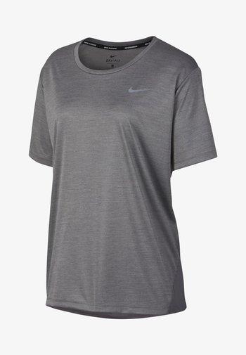 DRY MILER PLUS - T-shirts - gray