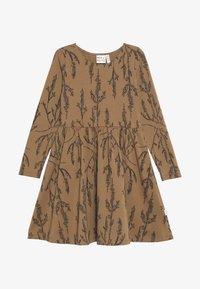 Mainio - HEATHER DRESS - Vestido ligero - dijon - 2