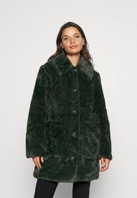 VILA PETITE - VIBODA COLLAR COAT - Classic coat - darkest spruce - 0