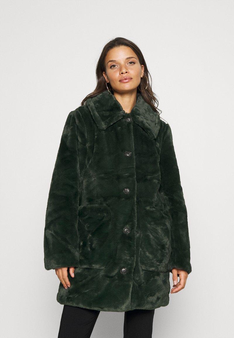 VILA PETITE - VIBODA COLLAR COAT - Classic coat - darkest spruce