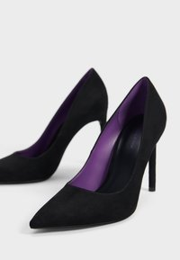 Bershka - Klassiska pumps - black - 6