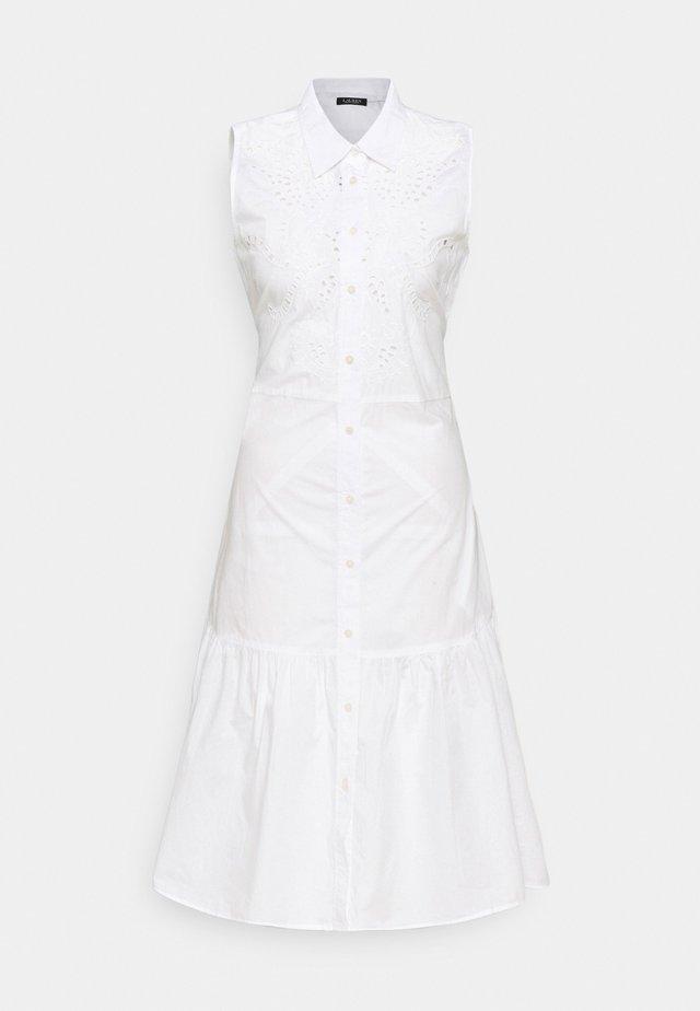 SHINNELLA SLEEVELESS CASUAL DRESS - Denní šaty - white