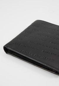 Armani Exchange - BIFOLD COIN CASE - Plånbok - black - 2