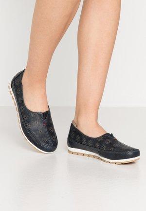 Nazouvací boty - navy