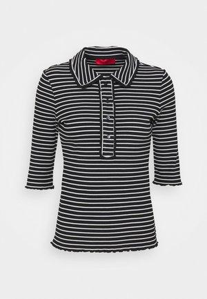 CHIMERA - Print T-shirt - black pattern