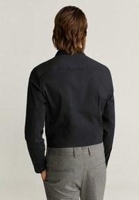 Mango - SUPER SLIM-FIT - Zakelijk overhemd - noir - 2