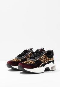 KARL LAGERFELD - LAZARE LEOPARD - Sneakers - wine - 4
