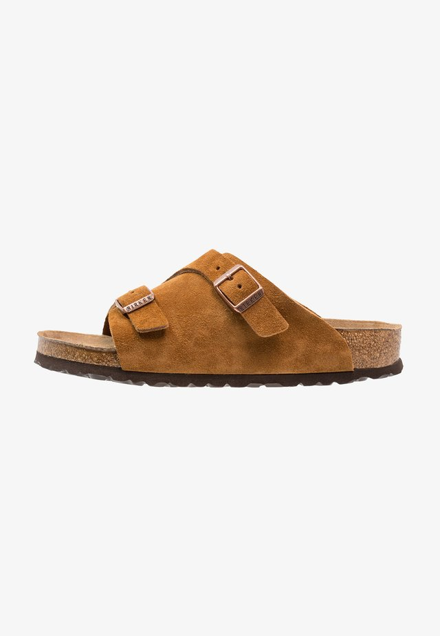 ZÜRICH SOFT FOOTBED - Matalakantaiset pistokkaat - cognac