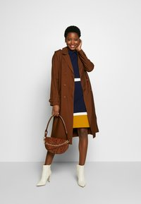 More & More - COAT LONG - Trench - nougat - 1