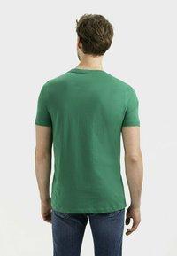 camel active - Basic T-shirt - jungle green - 2