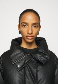 MM6 Maison Margiela - Down coat - black - 3