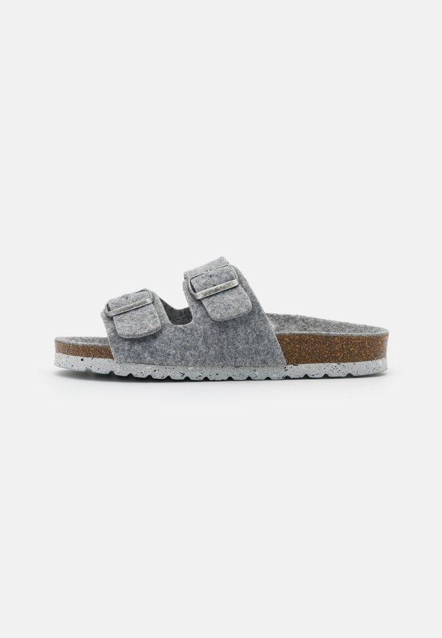 VMCOZY  - Slippers - medium grey melange