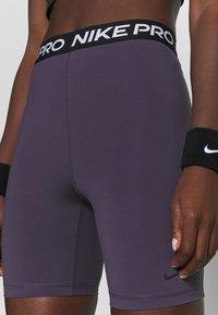 Nike Performance - SHORT HI RISE - Tights - dark raisin/black - 4