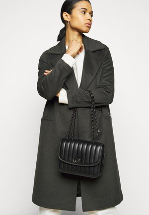 QUILTED MADISON SHOULDER BAG - Sac bandoulière - black