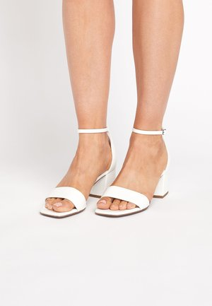 METALLIC REGULAR/WIDE FIT FOREVER COMFORT® SIMPLE BLOCK HEEL SA - Sandals - white