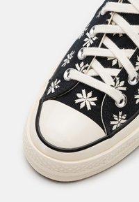 Converse - CHUCK TAYLOR ALL STAR 70 UNISEX - Zapatillas altas - black/egret - 5