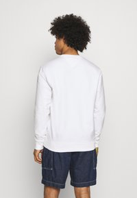 Tommy Jeans - LIGHTWEIGHT CREW - Mikina - white - 2