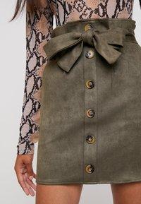 Missguided - PAPERBAG WAIST SKIRT - Pencil skirt - khaki - 3