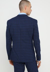 Isaac Dewhirst - FASHION  SLIM FIT - Oblek - navy - 3