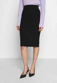 Selected Femme - SLFMARGE SKIRT - Pouzdrová sukně - black - 0
