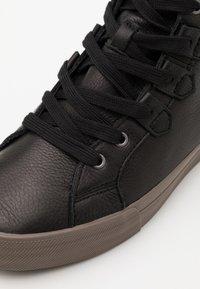 Sorel - CARIBOU MID WP - Zapatillas altas - black - 5