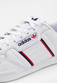 adidas Originals - CONTINENTAL 80 SPORTS INSPIRED SHOES UNISEX - Trainers - footwear white/collegiate navy - 5