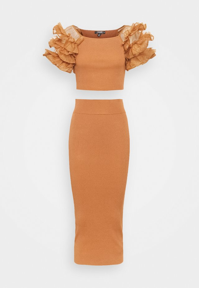 PUFF SLEEVE AND SKIRT - Pencil skirt - mocha