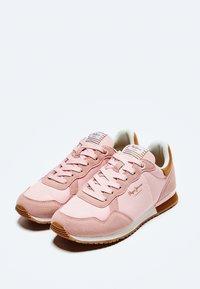 Pepe Jeans - ARCHIE BLOCK - Sneakersy niskie - rosa - 2