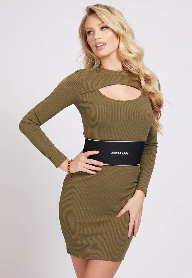 Guess - ATIFA DRESS - Jumper dress - grün