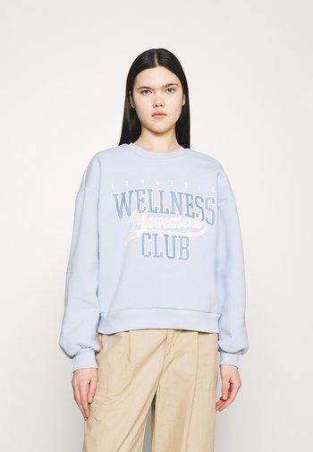 RILEY - Sweatshirt - skyway/wellness