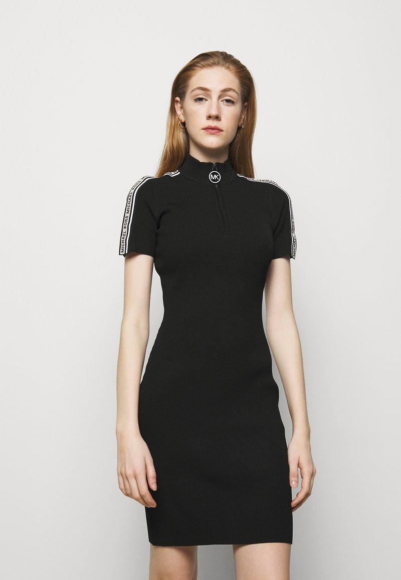 MICHAEL Michael Kors - HALF ZIP LOGO TAPE DRESS - Strickkleid - black