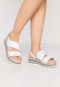 Pons Quintana - Platform sandals - blanco - 0