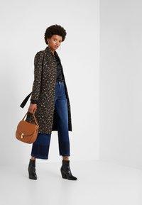 Libertine-Libertine - ELEGANT - Classic coat - camel leo - 1