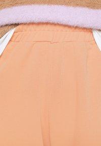 Missguided - BASIC - Pantaloni sportivi - camel - 4