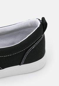 Pier One - UNISEX - Matalavartiset tennarit - black - 5