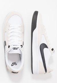 Nike SB - ADVERSARY - Skateschoenen - white/black - 3
