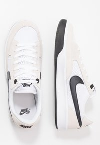 Nike SB - ADVERSARY UNISEX - Skate shoes - white/black - 3