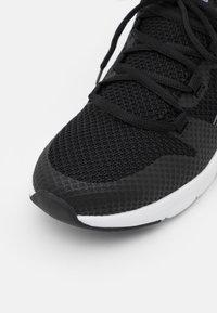 Kappa - AMIDOU UNISEX - Scarpe da fitness - black/white - 5