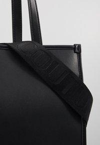 Versace Jeans Couture - MACRO LOGO - Sac à main - black - 2