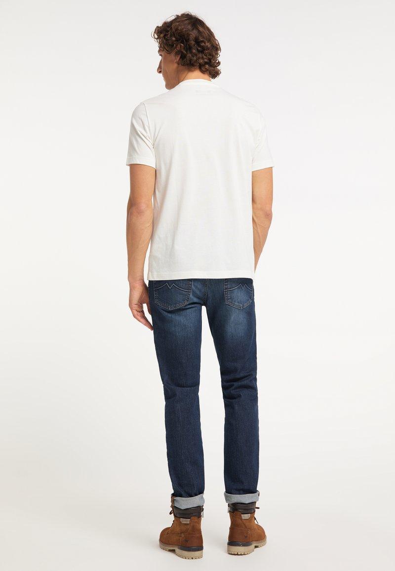 Mustang T-Shirt print - weiß 1KT0UX