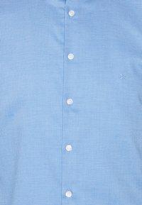 Calvin Klein Tailored - STRUCTURE SLIM  - Formal shirt - light blue - 6