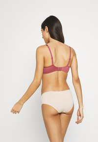 Triumph - BODY MAKE UP SOFT TOUCH - Push-up bra - wild raspberry - 2