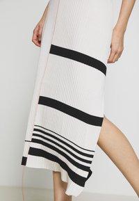 MRZ - KNIT DRESS SLEEVLESS - Pletené šaty - beige - 4
