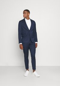 Isaac Dewhirst - THE RELAXED SUIT  - Puku - dark blue - 0