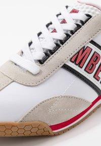 Bikkembergs - ENEA - Trainers - white/red/black - 5