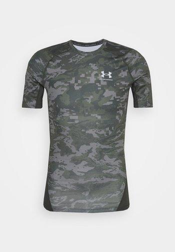 ARMOUR CAMO - Print T-shirt - baroque green