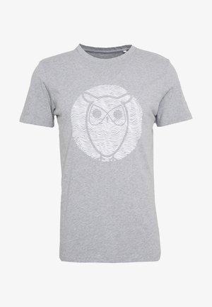 ALDER WAVE OWL TEE - Triko spotiskem - grey melange